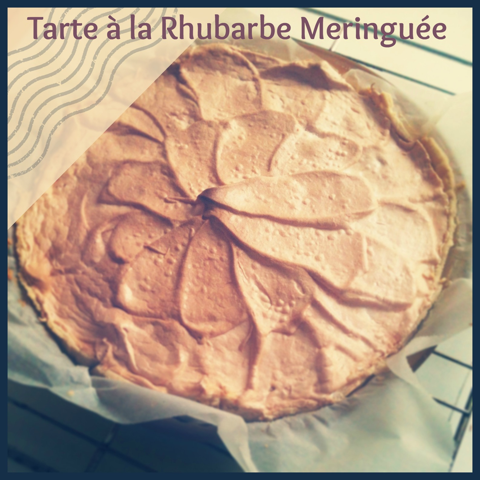 Tarte à la rhubarbe meringuée